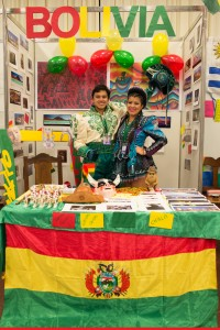 2 Stand de Bolivia en la Vuelta al Mundo
